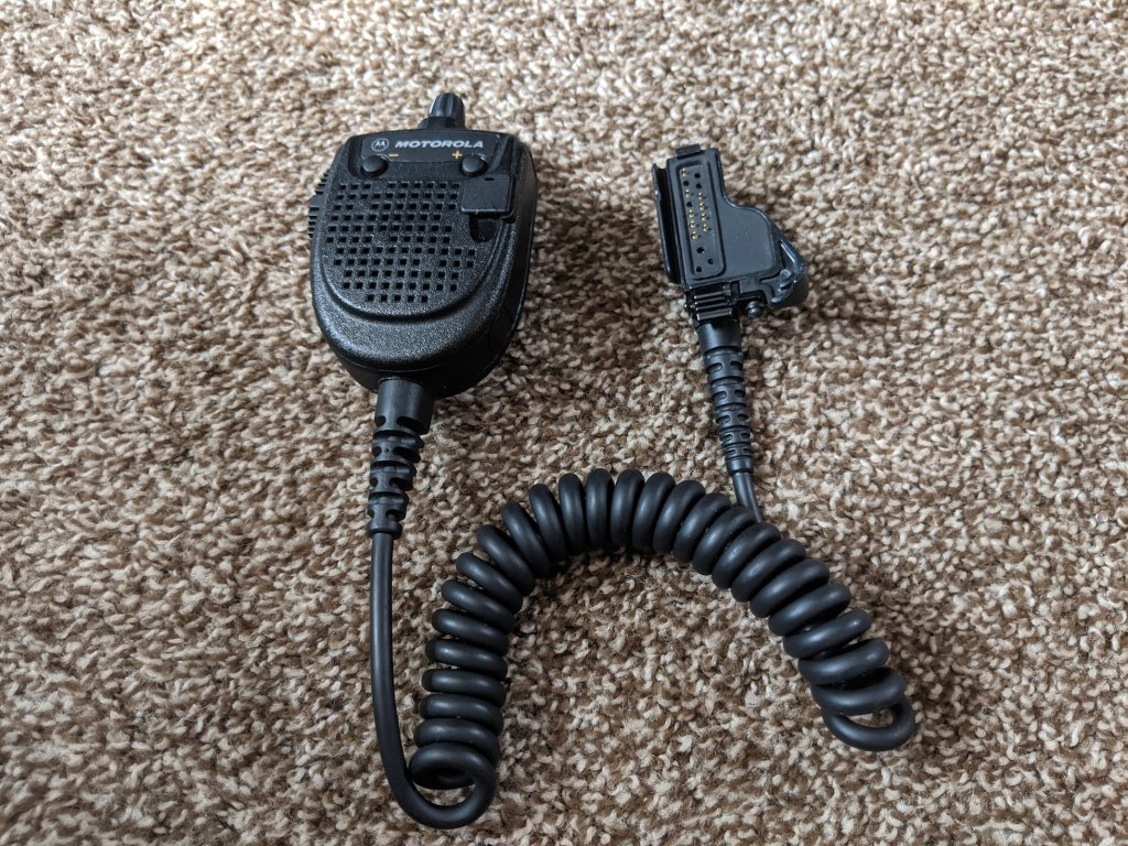Motorola Commander Speaker-Mic.jpg